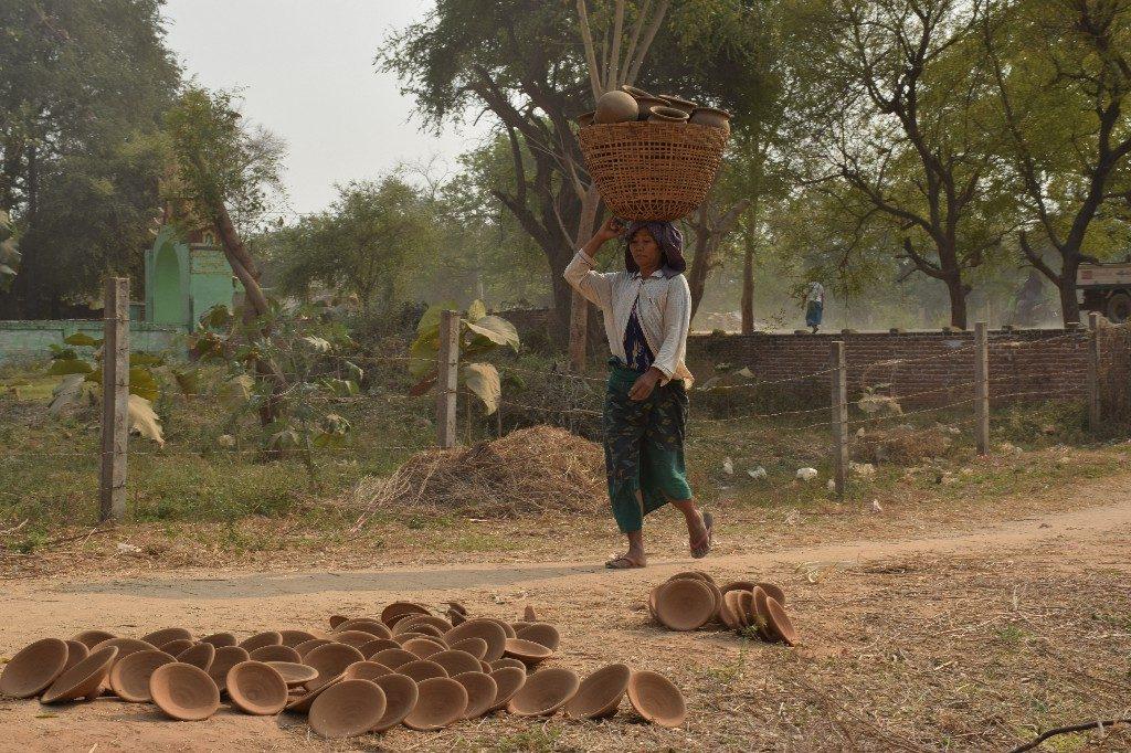 Yanapo pottery village Myanmar