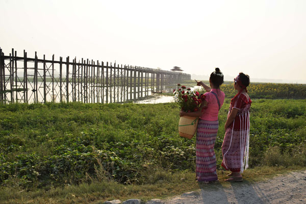 U Bein Bridge - Amarapura