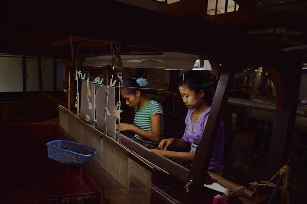 Silk weaving Amarapura