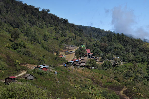 myanmar-chin-village